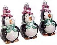 Набор ёлочных игрушек ПИНГВИНЫ-ФРАНТЫ, 6х6х11 см, Billet 301109Винтажные пластиковые игрушки<br>Пингвины в розовых цилиндрах собираются изо всех сил пижонить на новогодней ёлке, украшая собой ваш праздник. Безусловно, стоит оправдать их ожидания - не зря же они столь тщательно наряжались к этому торжественному событию!<br> <br>Размер - 6х6х11 см<br>Материал - пластик<br>Набор - 3 пингвина<br> <br>Производитель BIILET, Бельгия<br>Производство размещено в Китае<br>