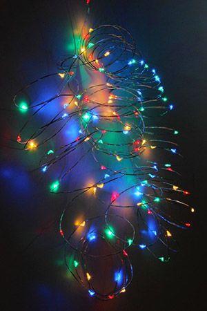 Гирлянда СВЕТЛЯЧКИ, 120 разноцветных LED-огней, уличная, 12+3 м, серебряный провод, Koopman International AX8716210Капельки - нити<br>Сказочное очарование и уютное волшебство - чудесная компания светлячков окутает ими всё, что вам захочется! Благодаря тончайшему проводу, их можно разместить где угодно, придавая светящейся стайке любую форму.<br> <br>Характеристики:<br>120 разноцветных LED ламп<br>Расстояние между лампами - 10 см<br>Длина гирлянды - 12 м <br>Провод серебряный<br>Подводящий провод прозрачный - 3 м<br>Напряжение - 220 V/6,5V (трансформатор в комплекте)<br>Степень влагозащиты - IP44 (можно использовать на улице и в помещении)<br> <br>Производитель - Koopman International, Нидерланды<br>Производство размещено в Китае<br>