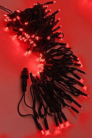 Электрогирлянда ТВИНКЛ ЛАЙТ BLINKING RUBI (мерцающая 100%) 75 красных LED ламп, 10 м, коннектор, черный провод-каучук, уличная, LEGOLED LL75ABL-1-2RГирлянды НИТИ<br>НОВИНКА на российском рынке светотехники! Светодиодная нить, в которой мерцает каждый диод - 100% МЕРЦАНИЕ!<br>Фантастический эффект - эта светящаяся нить переливается всеми своими огоньками, завораживая взгляд. <br>Гирлянда относится к светотехническим изделиям системы LEGOLED, включающей светодиодные (LED) электрогирлянды разных типов на каучуковых проводах. Гирлянды системы LEGOLED имеют единые универсальные коннекторы. Каучуковые провода рассчитаны на эксплуатацию при отрицательных температурах до -50°C. Влагозащищенные коннекторы (IP 54) обеспечивают полную гидроизоляцию, простоту соединений и безопасность монтажа. Электрогирлянды системы LEGOLED идеально подходит для суровых климатических условий с высокой влажностью и перепадами температур. Благодаря различным элементам, входящим в эту систему (нить, бахрома, световой занавес) возможно создание любых непрерывных светодиодных композиций любой сложности и метража.<br> <br>Электрогирлянда ТВИНКЛ ЛАЙТ МЕРЦАНИЕ 100% (TWINKLE LIGHT BLINKING 100%) с LED лампочками имеют необыкновенно яркое и чистое свечение. Каждый! светодиод в гирлянде мерцает как малеькая строб-лампа, то вспыхивая, то угасая. Смотрится это бесподобно - гирлянда как будто переливается огонками. Гирлянда из 75 красных  LED-ламп защищена от влаги, поэтому ее можно использовать не только в помещении, но и на улице. Гирлянда оснащена коннектором, позволяющим соединять до 10 гирлянд в одну нить.<br>ВНИМАНИЕ! СИЛОВОЙ ПРОВОД (арт. LLC-1-3A) с выпрямителем в комплект входит. <br> <br>Характеристики:<br>Количество LED-ламп: 75<br>Каждый светодиод мерцает!<br>Мощность: 7,1 Вт;<br>Напряжение: 220V;<br>Цвет лампочек: красный<br>Длина провода: 10 м;<br>Провод: черный каучук;<br>Силовой провод с выпрямителем (арт. LLC-1-3A) в комплекте.<br>Гирлянда имеет коннектор, позволяющий соединять до 10 электро